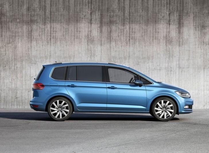 Volkswagen Touran 2016 08