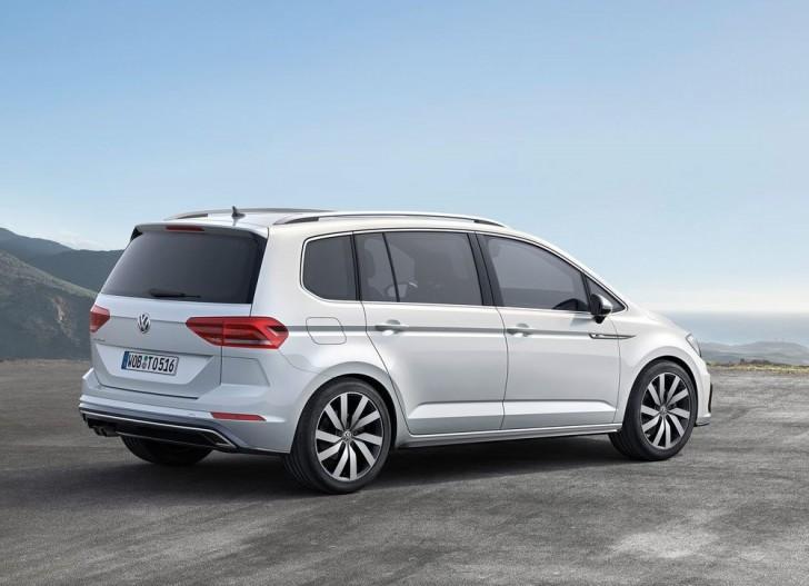 Volkswagen Touran 2016 09