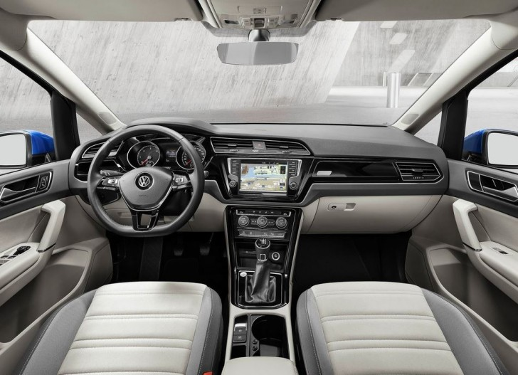 Volkswagen Touran 2016 13