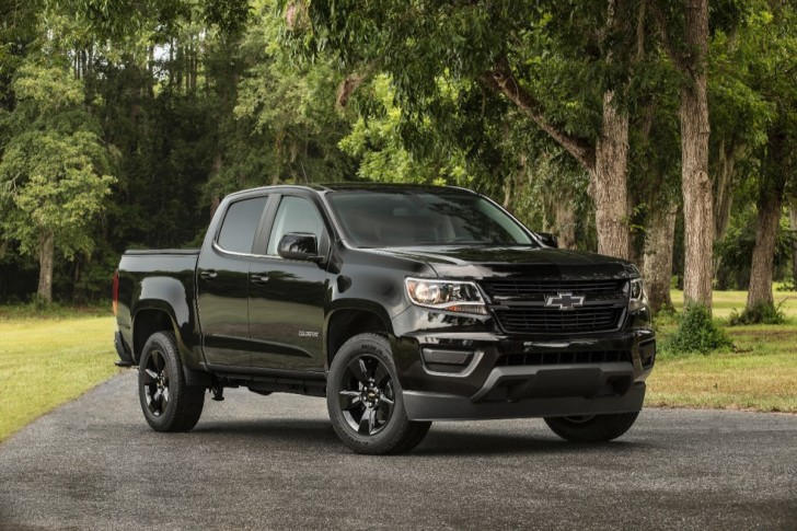 2016 chevrolet colorado midnight edition 01