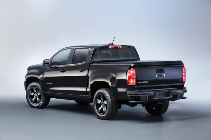 2016 chevrolet colorado midnight edition 02