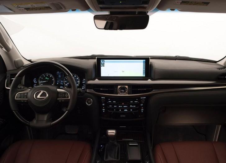 Lexus LX 570 2016 05