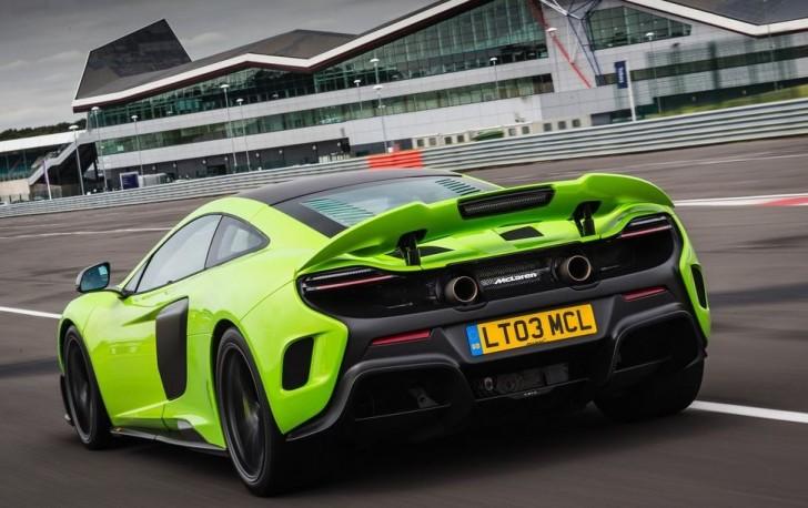 McLaren 675LT 2016 08