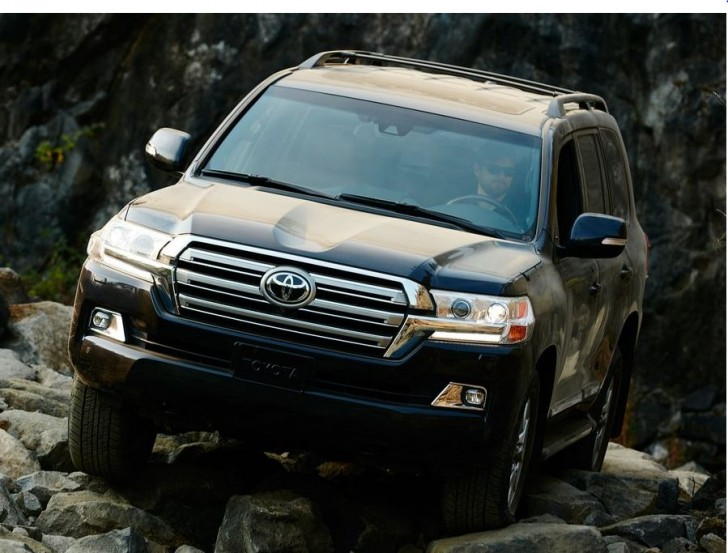 Toyota Land Cruiser 2016 02