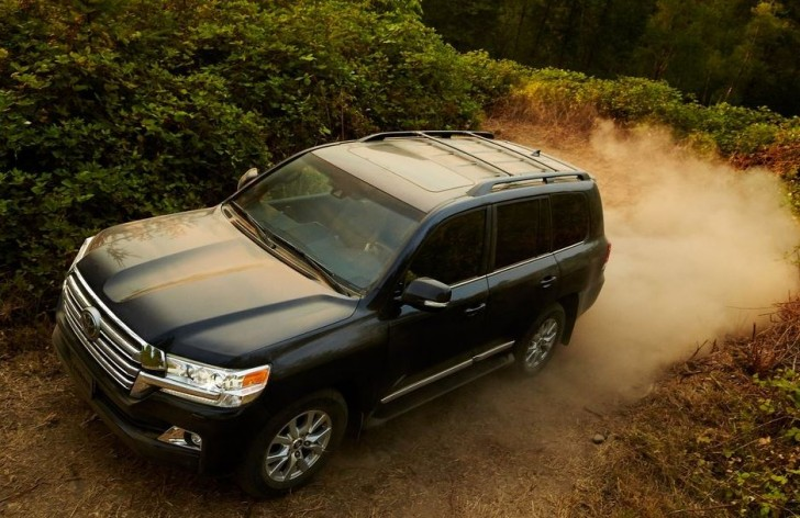 Toyota Land Cruiser 2016 03