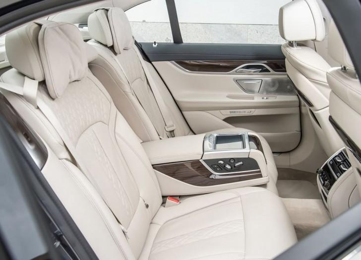 BMW 730d 2016 08