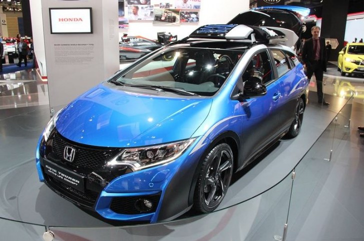 HONDA CIVIC TOURER ACTIVE LIFE CONCEPT 2015 01