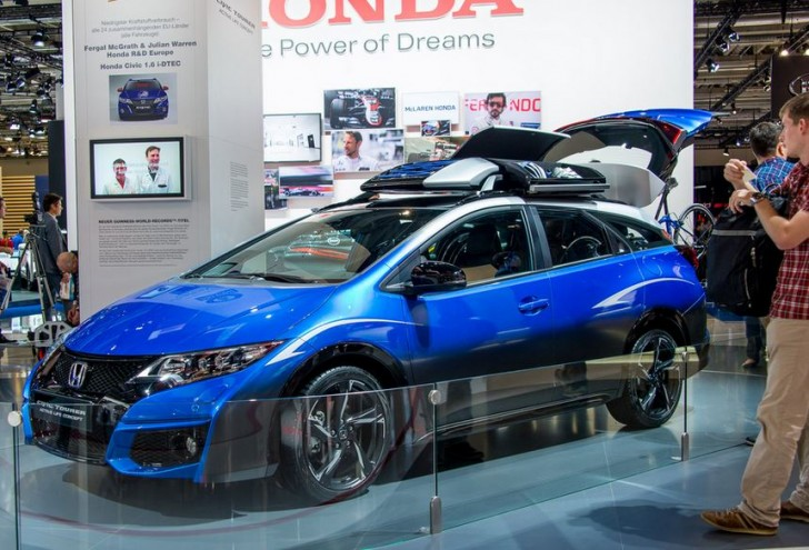 HONDA CIVIC TOURER ACTIVE LIFE CONCEPT 2015 05