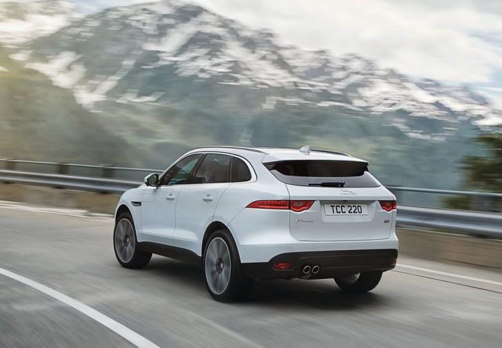 Jaguar F-Pace 2017 10