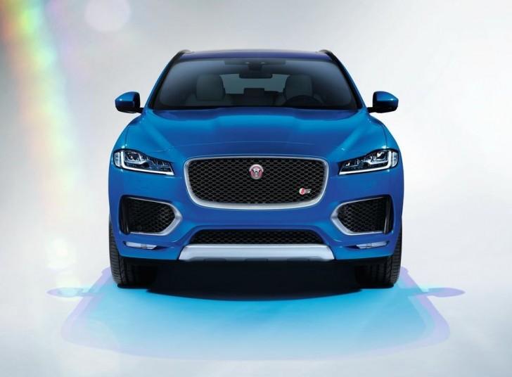 Jaguar F-Pace 2017 11
