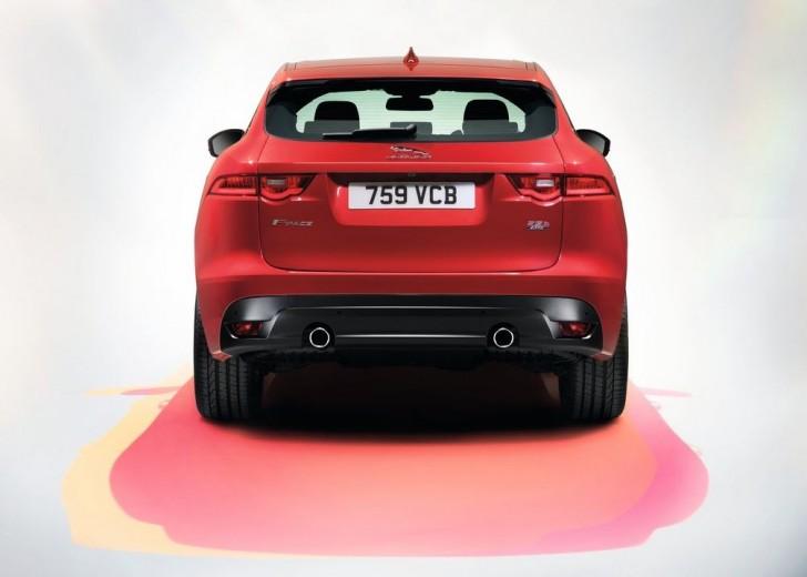 Jaguar F-Pace 2017 12