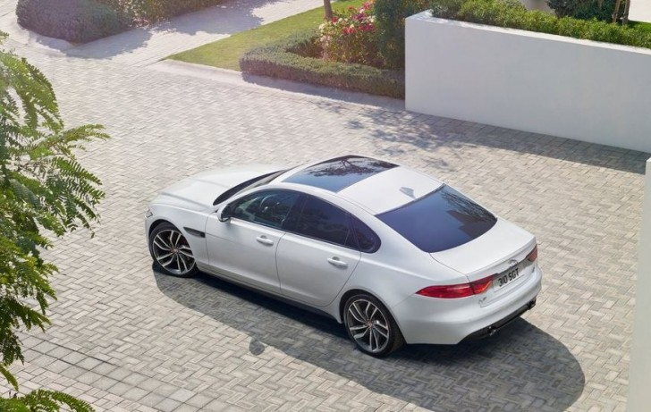 Jaguar XF 2016 03