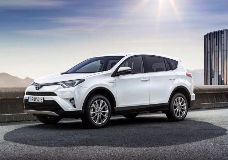 Toyota RAV4 Hybrid EU-Version 2016 01