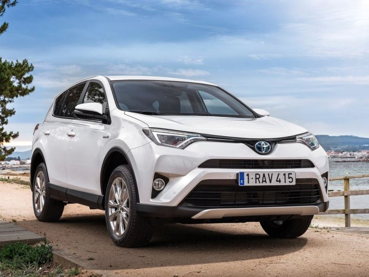 Toyota RAV4 Hybrid EU-Version 2016 02