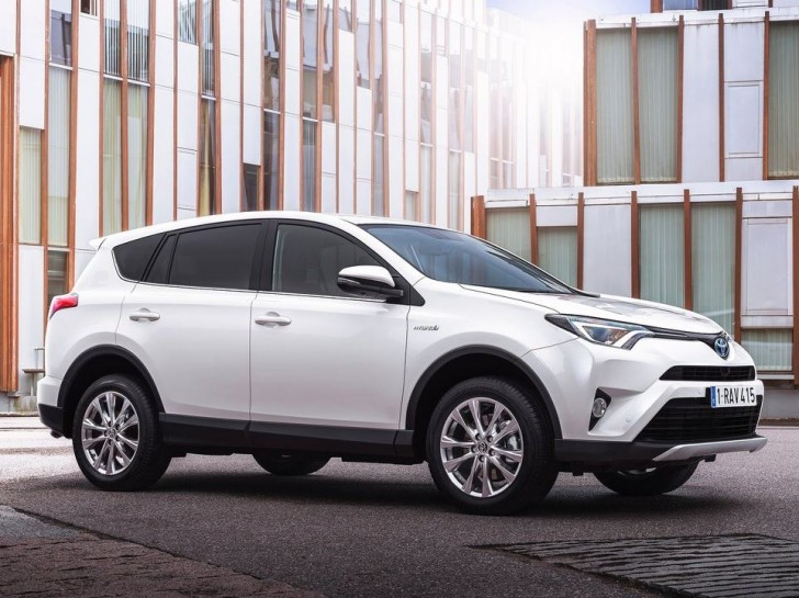 Toyota RAV4 Hybrid EU-Version 2016 05