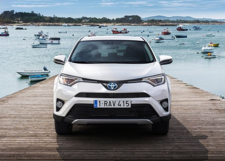 Toyota RAV4 Hybrid EU-Version 2016 12