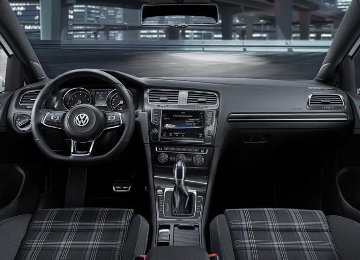 Volkswagen Golf GTE 2015 08