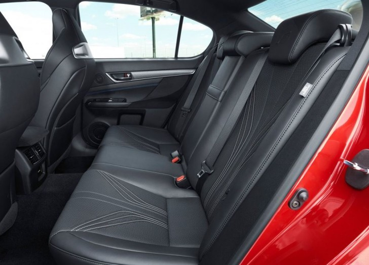 Lexus GS F 2016 09