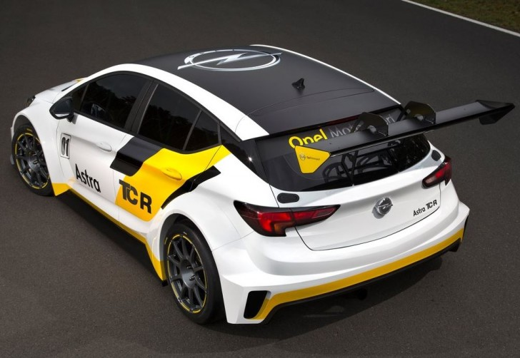 Opel Astra TCR 2016 04