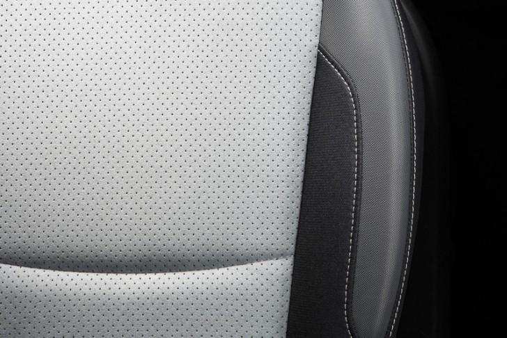 XV ハイブリッド 20i-L EyeSight専用のウルトラスエードトリコットシート