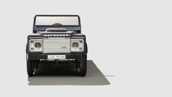 land-rover-defender-pedal-car-004-1