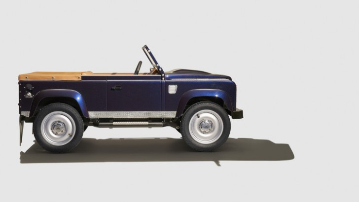 land-rover-defender-pedal-car-006-1