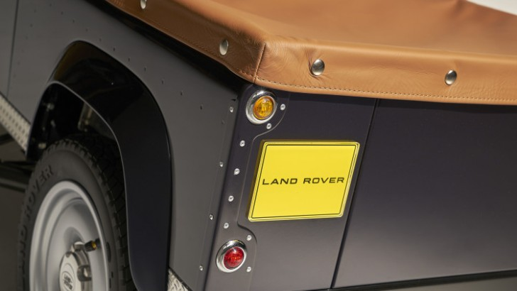 land-rover-defender-pedal-car-012-1