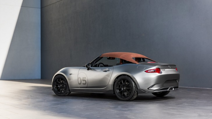 Mazda MX-5 Spyder and MX-5 Speedster concepts 2015 07