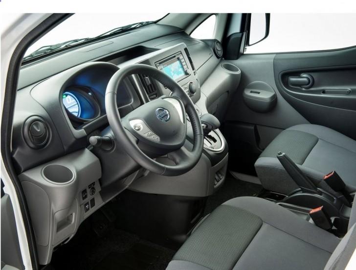 Nissan e-NV200 2015 08