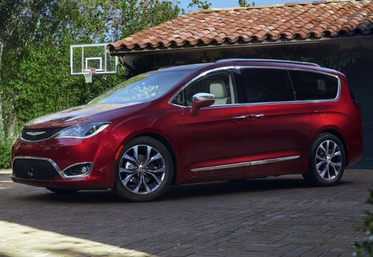 2017 Chrysler Pacifica 00