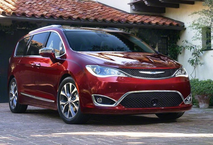 2017 Chrysler Pacifica 000