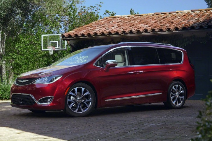 2017 Chrysler Pacifica 05