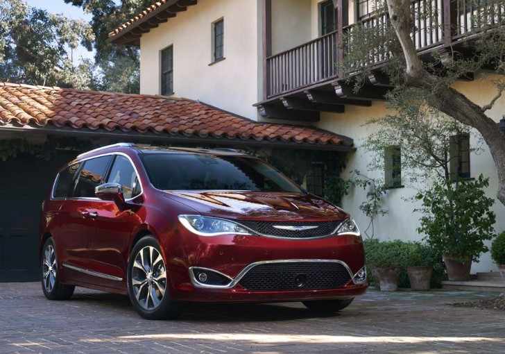 2017 Chrysler Pacifica 06