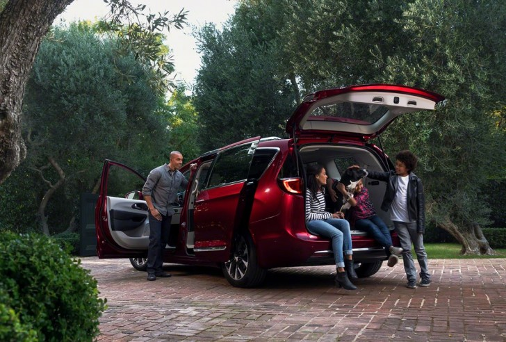 2017 Chrysler Pacifica 07