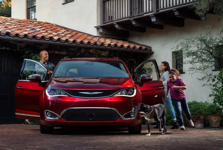 2017 Chrysler Pacifica 11