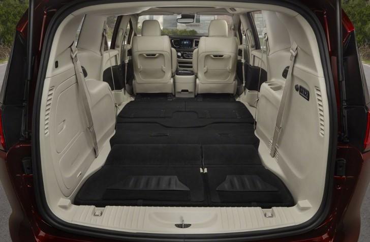 2017 Chrysler Pacifica 14