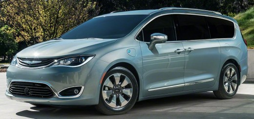 2017 Chrysler Pacifica hybrid 00