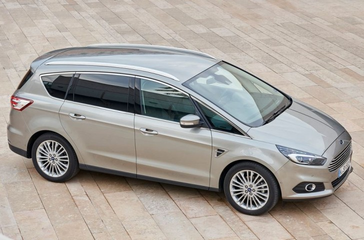 Ford S-MAX 2015 04