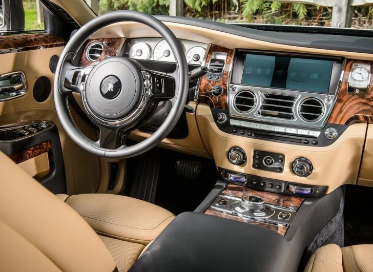 Rolls-Royce Ghost Series II 2015 06