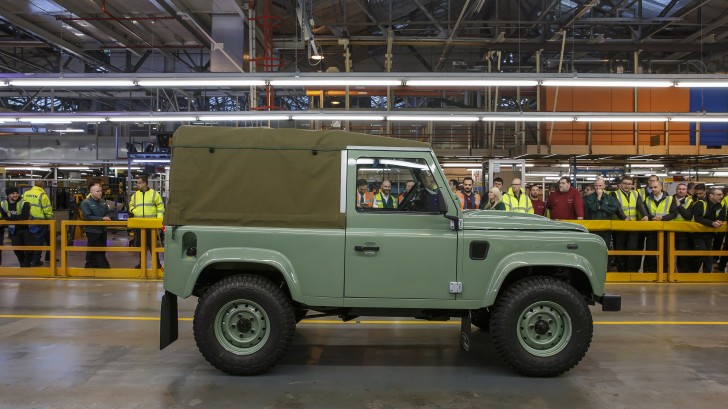 final-land-rover-defender-02-1