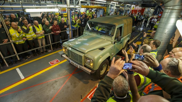 final-land-rover-defender-10-1