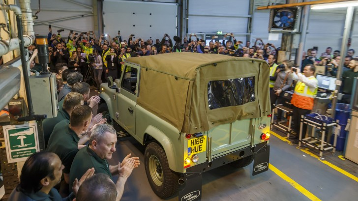 final-land-rover-defender-11-1