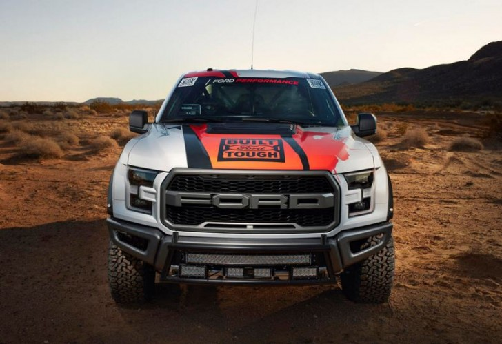2017 F-150 Raptor offroad racing 03