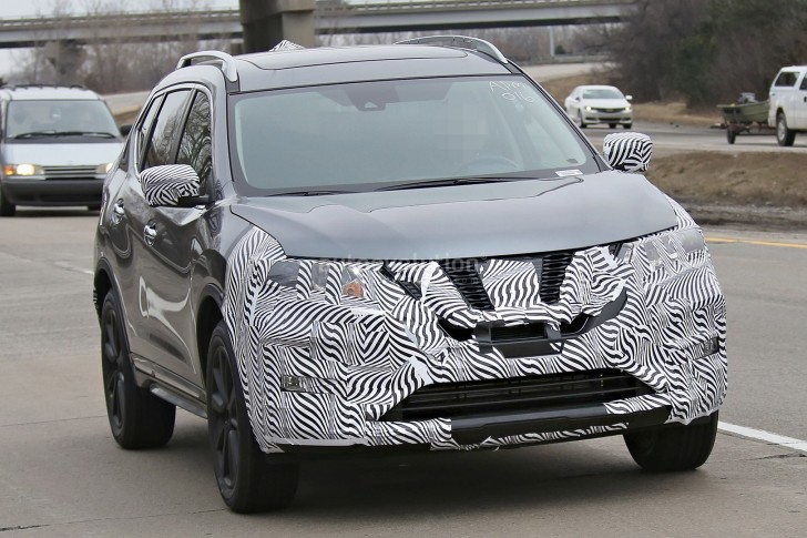 2017-nissan-rogue-spied-with-cosmetic-updates_2