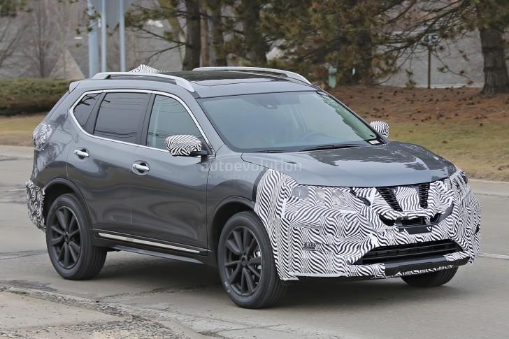 2017-nissan-rogue-spied-with-cosmetic-updates_5