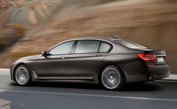 BMW M760Li xDrive 2017 02