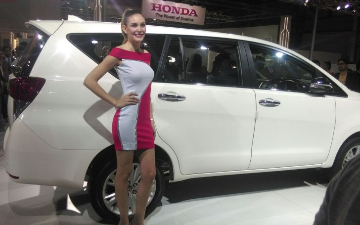 INNOVA CRYSTA TOYOTA india 2016 05
