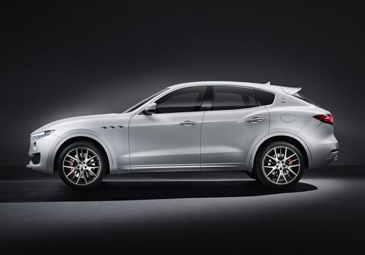 Maserati Levante 2017 02