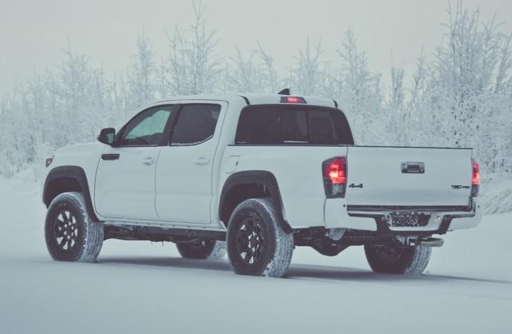 Toyota Tacoma TRD Pro 2017 04
