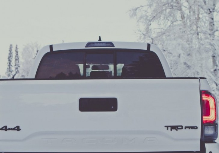 Toyota Tacoma TRD Pro 2017 05